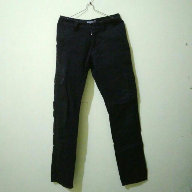 Qutn Black Cargo Pants