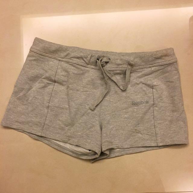 Reebok 短褲