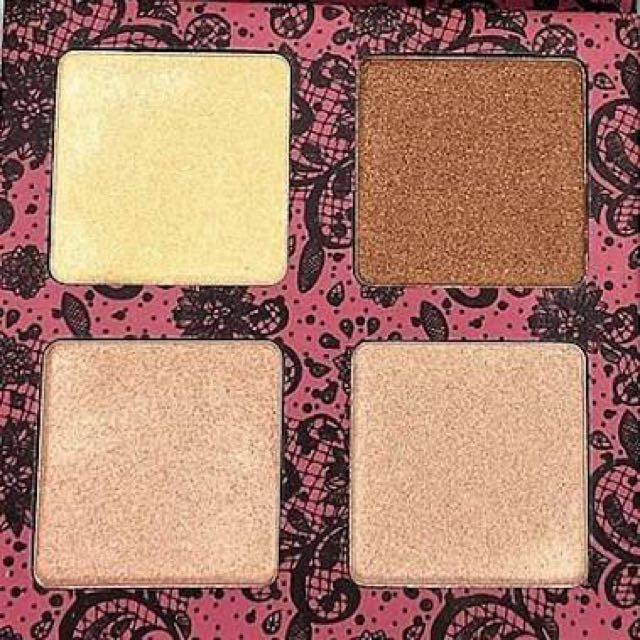 Scandalous Glow highlighter palette