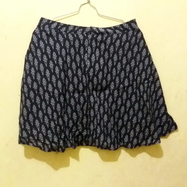 Skirt Ninety Degress