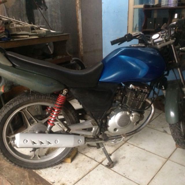 Suzuki thundet 125