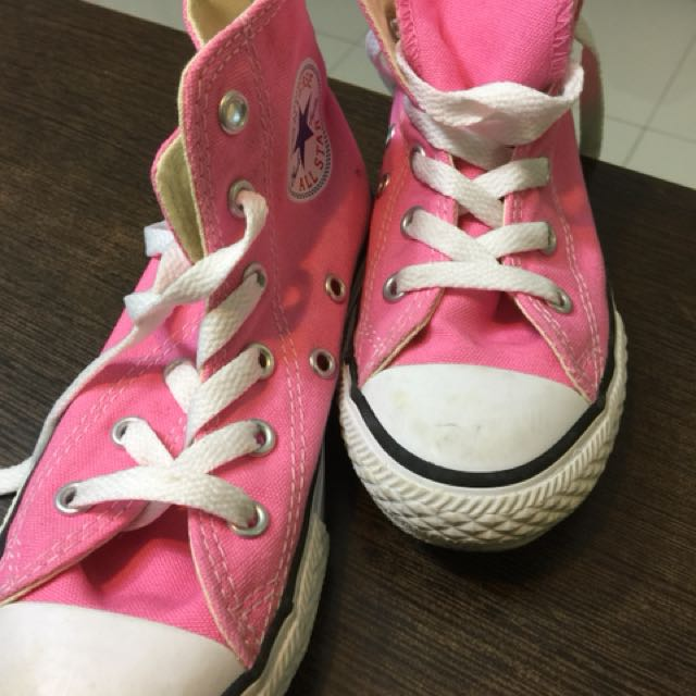 8dc85da41056 VERY NEW children Converse Shoes High Cut Pink size 12