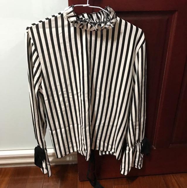 Zara黑白條紋後背挖空綁帶上衣