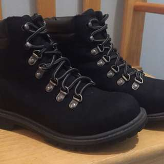 Black Esprit Boots