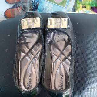 Pantofel guess #negotiable #free ongkir