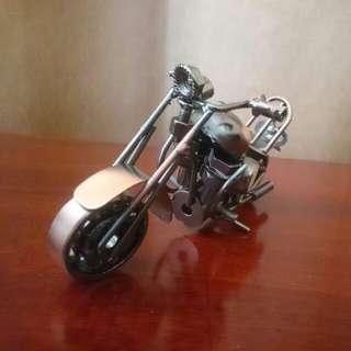 摩托車擺設