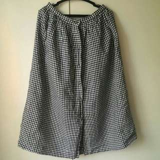 Uniqlo Gingham button up Skirt