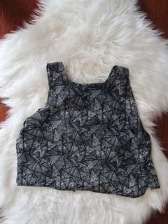 Glassons black white printed crop top 10