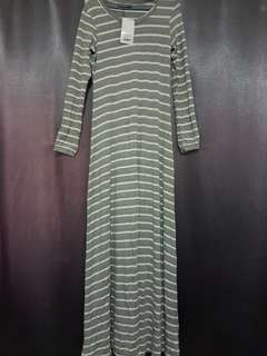 Maxi Dress by Poplook