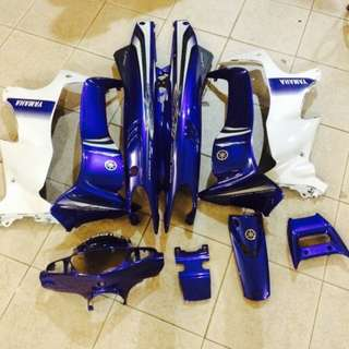 125z Ori HLY Biru GP full coverset. Comes with spoiler and Moritaka sticker as well as the box. No cracks. Pm to view. Slightly nego.