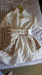 Dress include belt