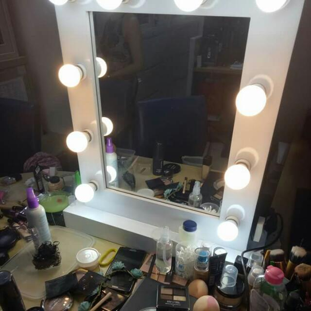 10 Bulb Vanity Mirror