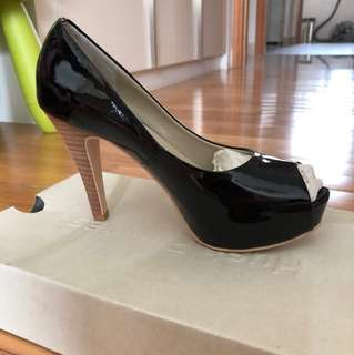 BNIB Hush Puppies Black Heeled Peep Toe Shoes