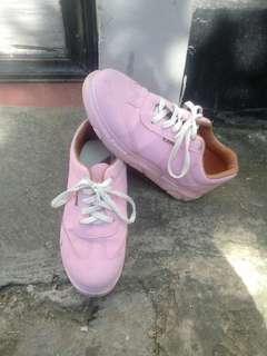 Preloved sneakers