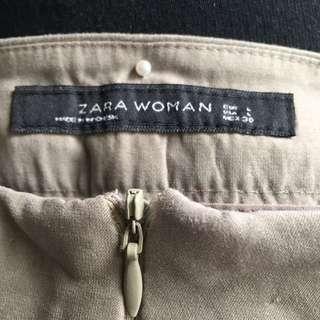 Zara: Pleated Khaki Short Pants L