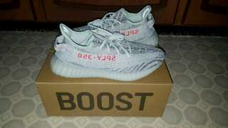 YEEZY BOOST 350 - SIZE 9 - BLUE TINT