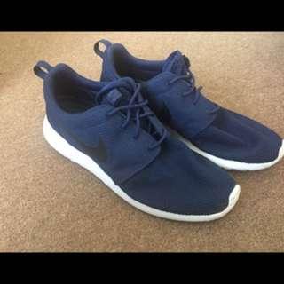 Men's Nike Roshe size 11