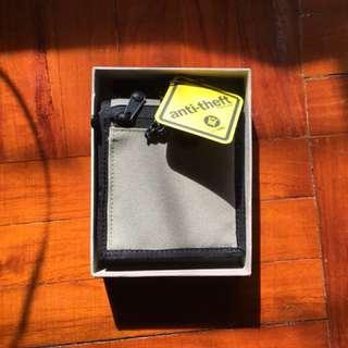 Pacsafe RFIDsafe Z100 RFID Blocking Bi-Fold Wallet