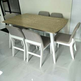 Vinica dining table