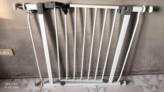 🚚 防寵物小孩安全閘門