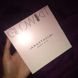 Anastasia Beverly Hills Glow Kit in Sweets