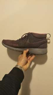 NIKE size US10.5 Mid Roshe Run NYC Purple