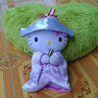 Hello kitty in traditional  dress