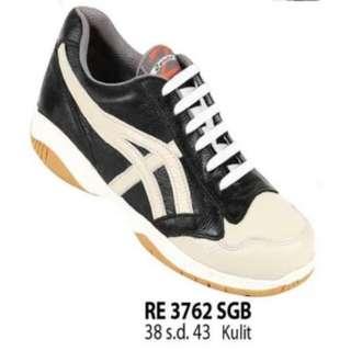 Sepatu sport RE 3762 SGB
