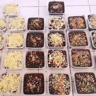 Chocolate Moist Cake/Red Velvet Cheese