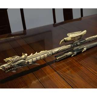 Superb Dayak hand-carved bone blowpipe 120cms long excellent condition with dart holder & crocodile stand