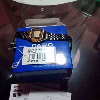 CASIO WATCH BLACK AND GOLD