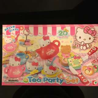 BNIB - Hello Kitty Tea Party 20 Pieces Set