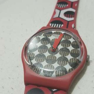 swatch red tricolor