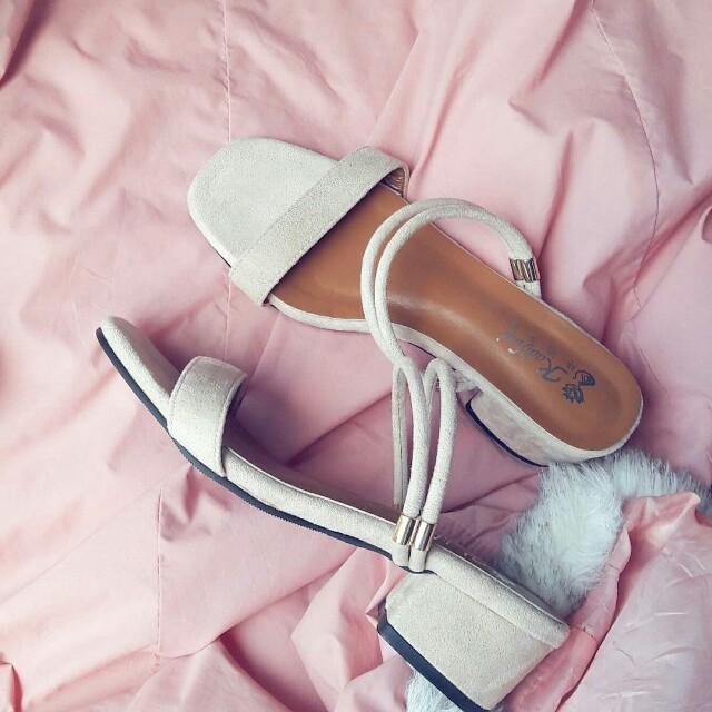 2 way nude block sandal