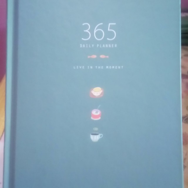 365 Daily Planner Live In the Moment