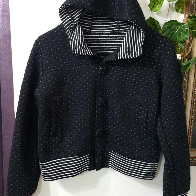 黑色可愛點點外套