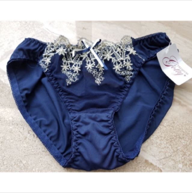 日本🇯🇵絲綢小內褲
