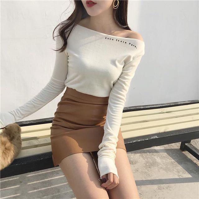 韓版顯瘦一字領絨毛小字母上衣