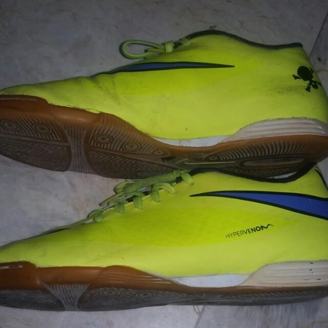 c4e348285c5b Authentic Nike Hypervenom Indoor Gum-soled shoes 9.5 US