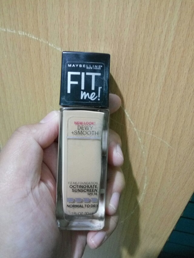 Maybelline Fit Me Foundation Dewy