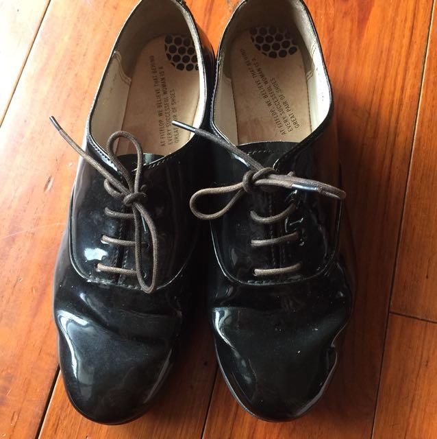 FITFLOU厚底皮鞋36號