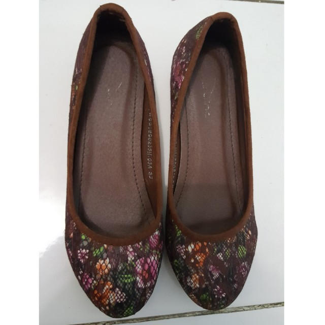 Flat shoes size 35