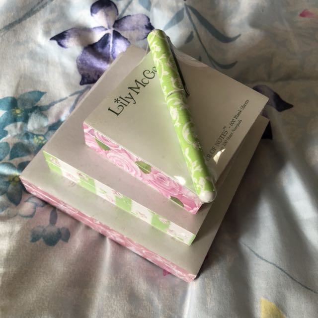 Floral Note Pad with Pen
