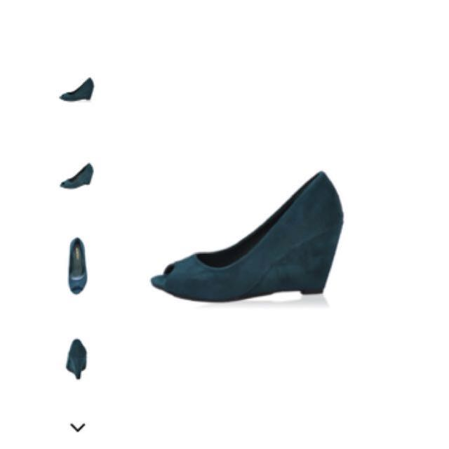 Free postage! Kiss and Tell Alphie Wedges
