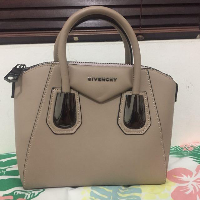 Givenchy antigona hand bag