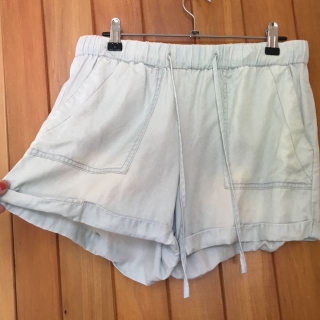 Glassons light blue chambray fabric shorts