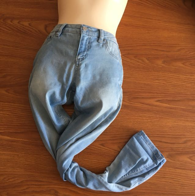 High waisted skinny light blue jeans