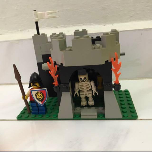 Lego 6036 Skeleton Surprise, Toys & Games, Bricks & Figurines on ...