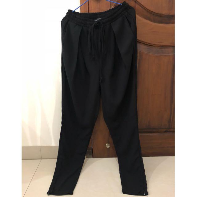 Look boutique store black pants