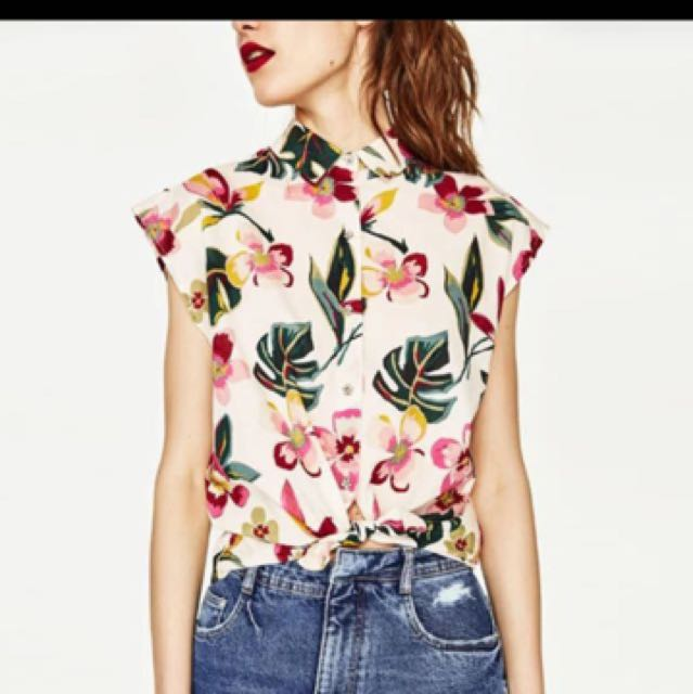 LOOKING FOR: Zara Floral Top